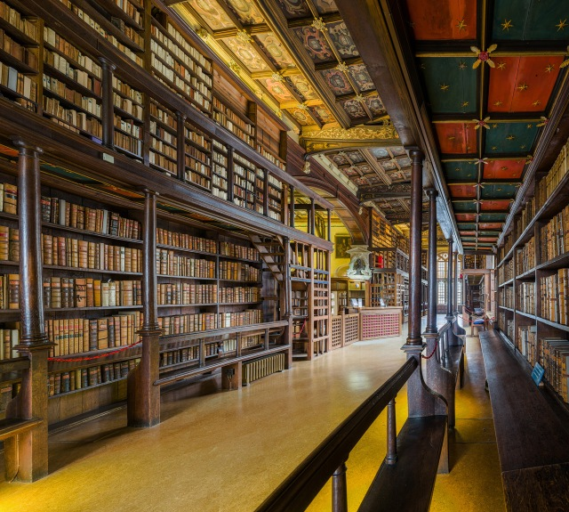 Duke_Humfrey's_Library_Interior_3,_Bodleian_Library,_Oxford,_UK_-_Diliff